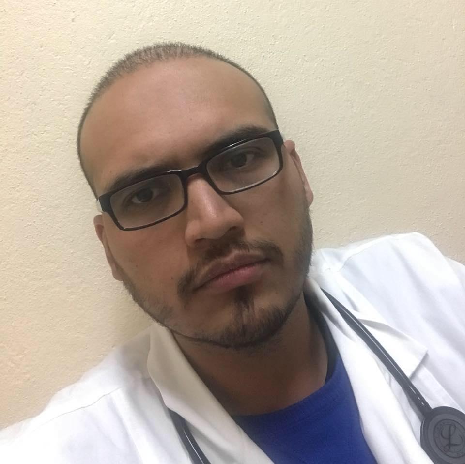 Dr Christian Alvarado - Endocrinologo pediatra